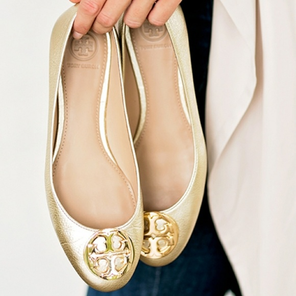 b4c6af9c46504 Claire Ballerina Flat Gold NWT